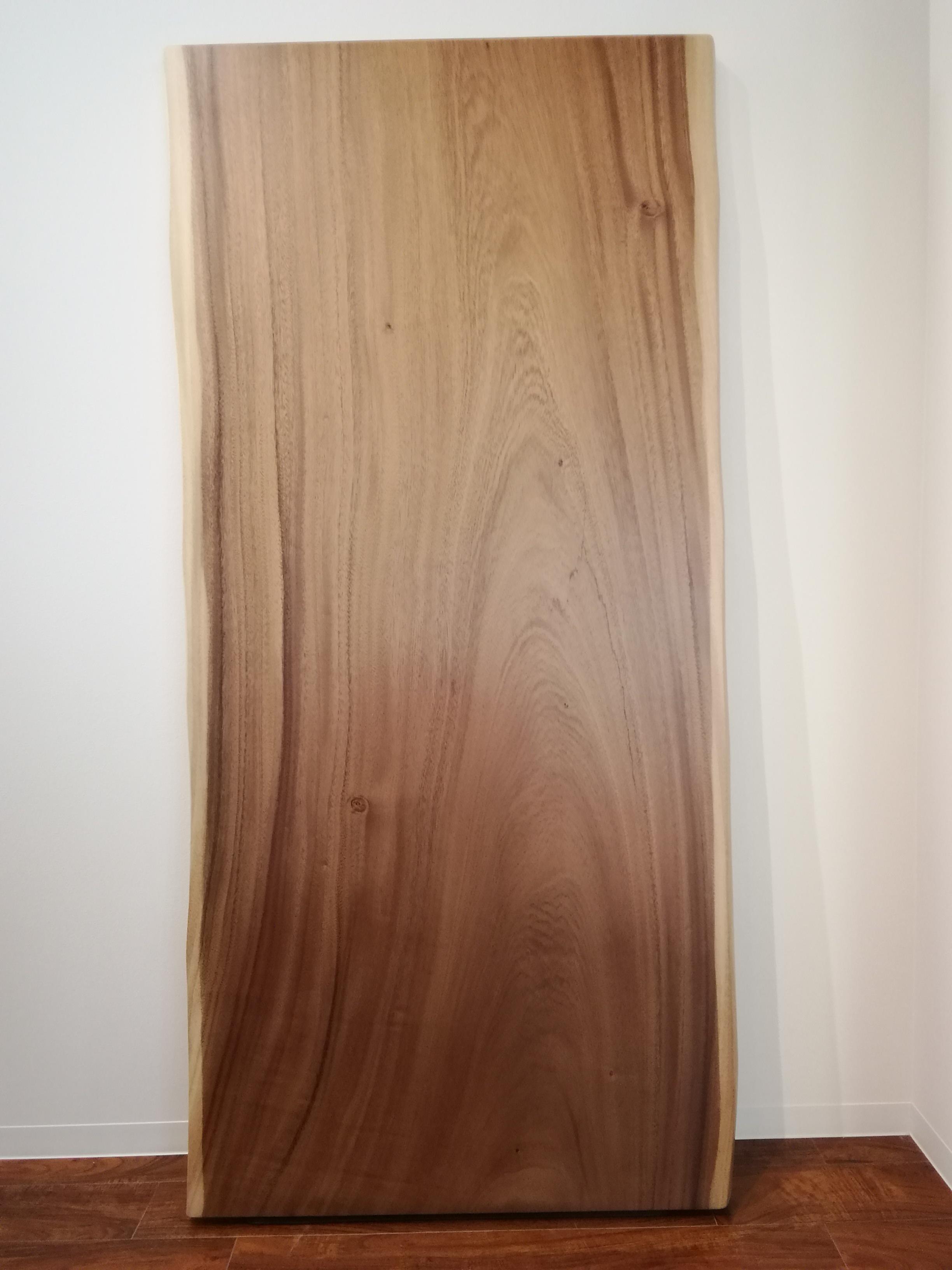 モンキーポッドの一枚板 W1825 D850