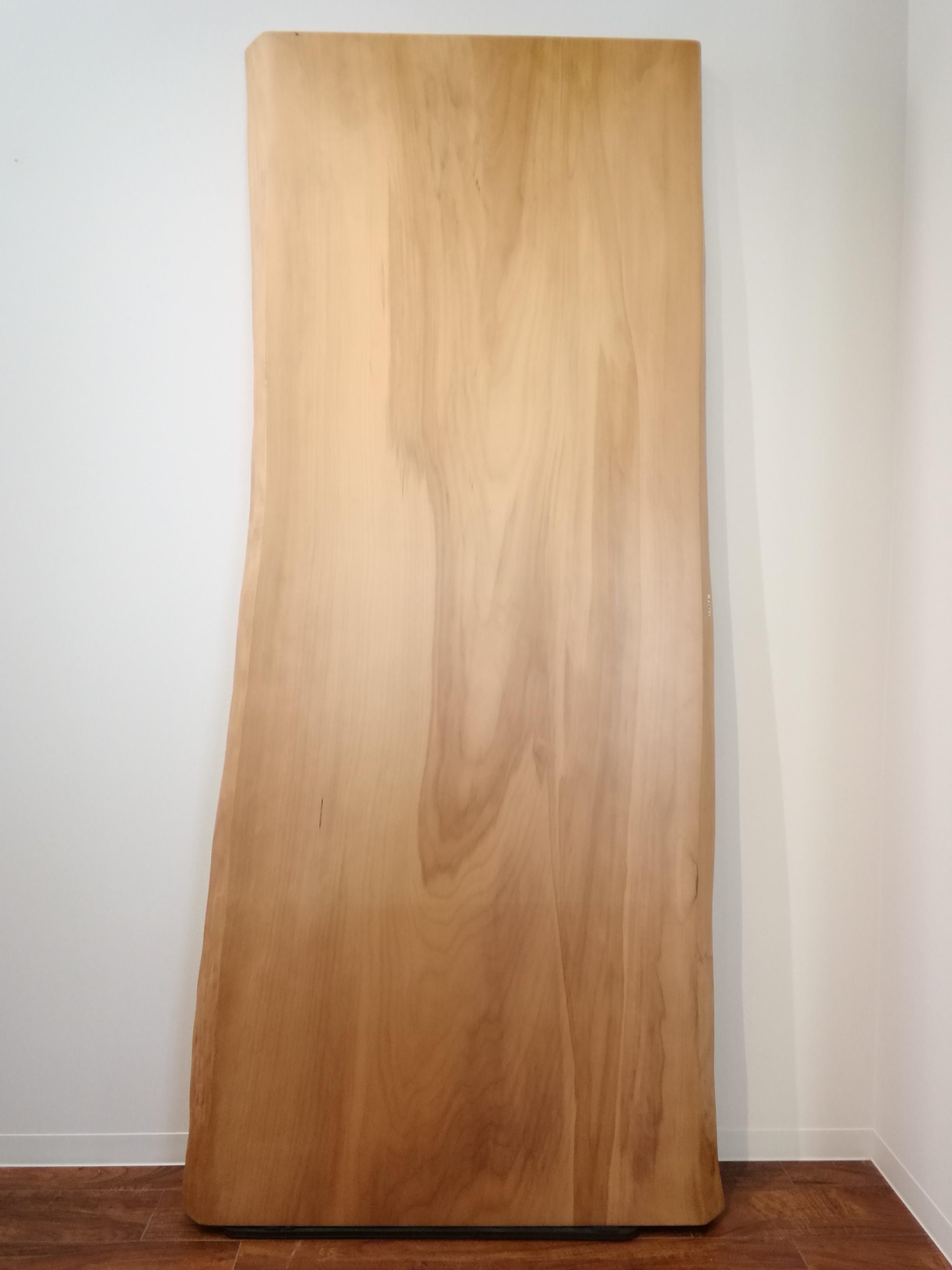イチョウの一枚板 W2000 D930