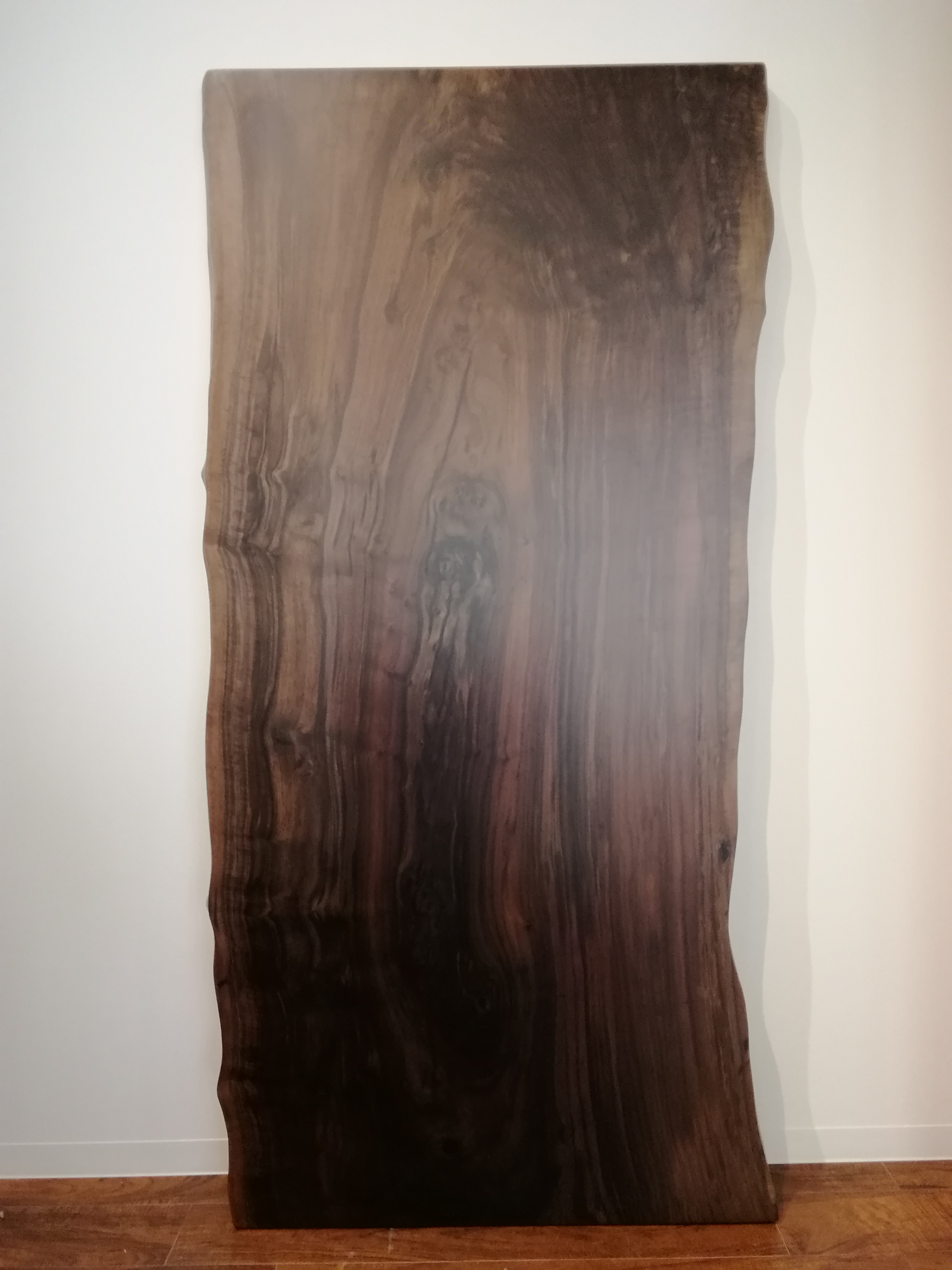 クラロウォールナットの一枚板 W1750 D800